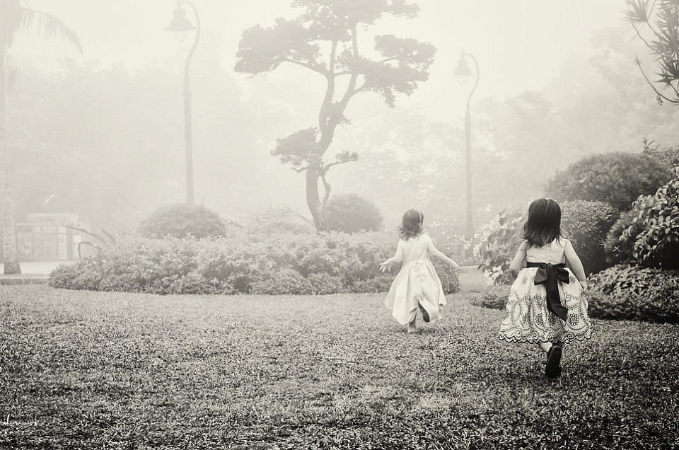Dress photo shoot in the fog and a Nat Geo publication