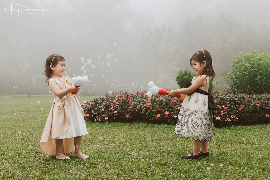 bubbles, fog, toddlers, play
